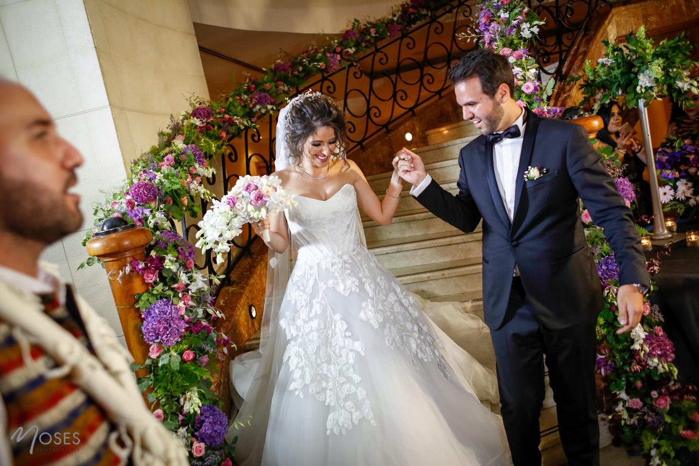 Best Wedding Planner Dubai : Couple Photo Pose Ideas